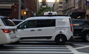 Carro do Mapas da Apple rodando em NY