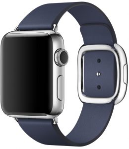Apple Watch com pulseira de fecho moderno