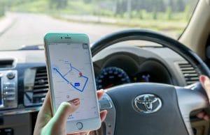 Apple Maps sendo usado em veículo