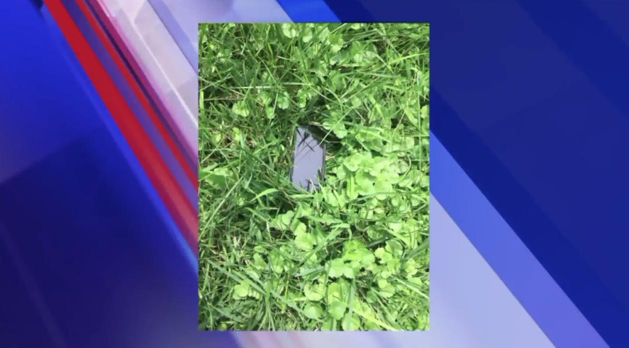 iPhone intacto após cair de avião a 300 metros de altura