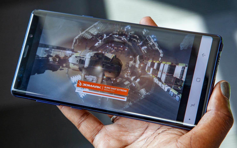 Samsung Galaxy Note9 rodando teste de benchmark