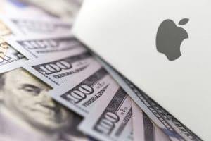 Logo da Apple com dólares/dinheiro