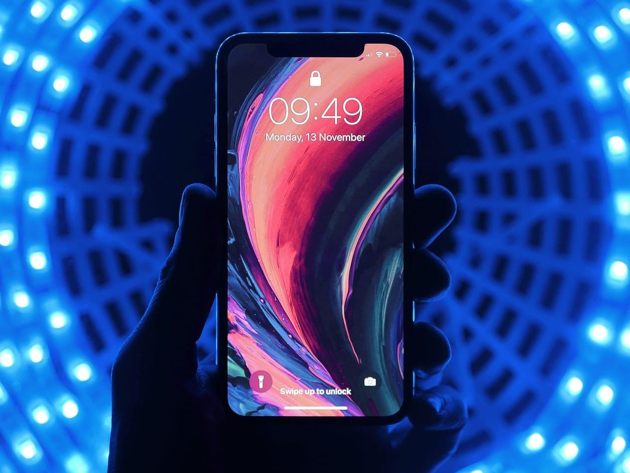 iPhone e luzes de microLED