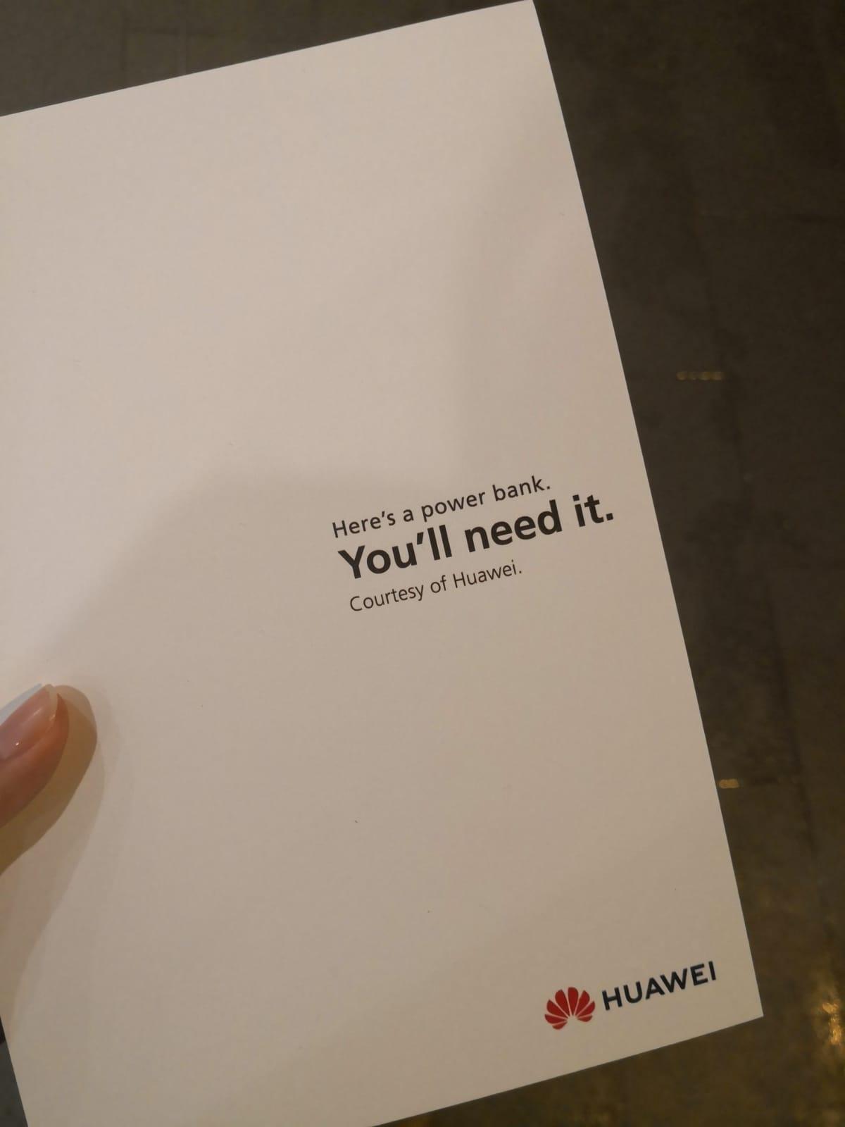 Papel que foi entregue junto aos carregadores portáteis da Huawei