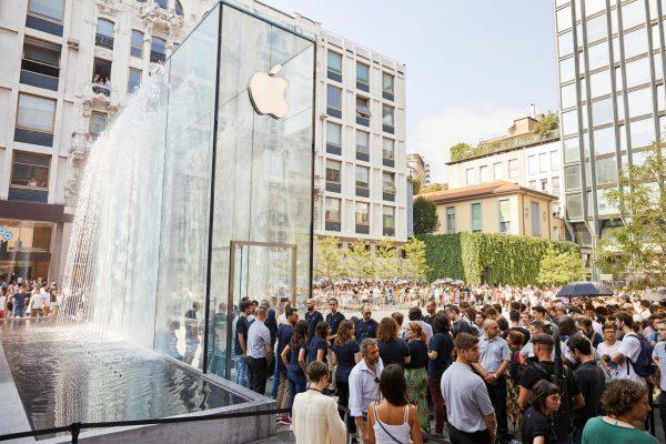 https://www.macstories.net/news/apple-q4-2018-results-533-billion-revenue-413-million-iphones-116-million-ipads-sold/