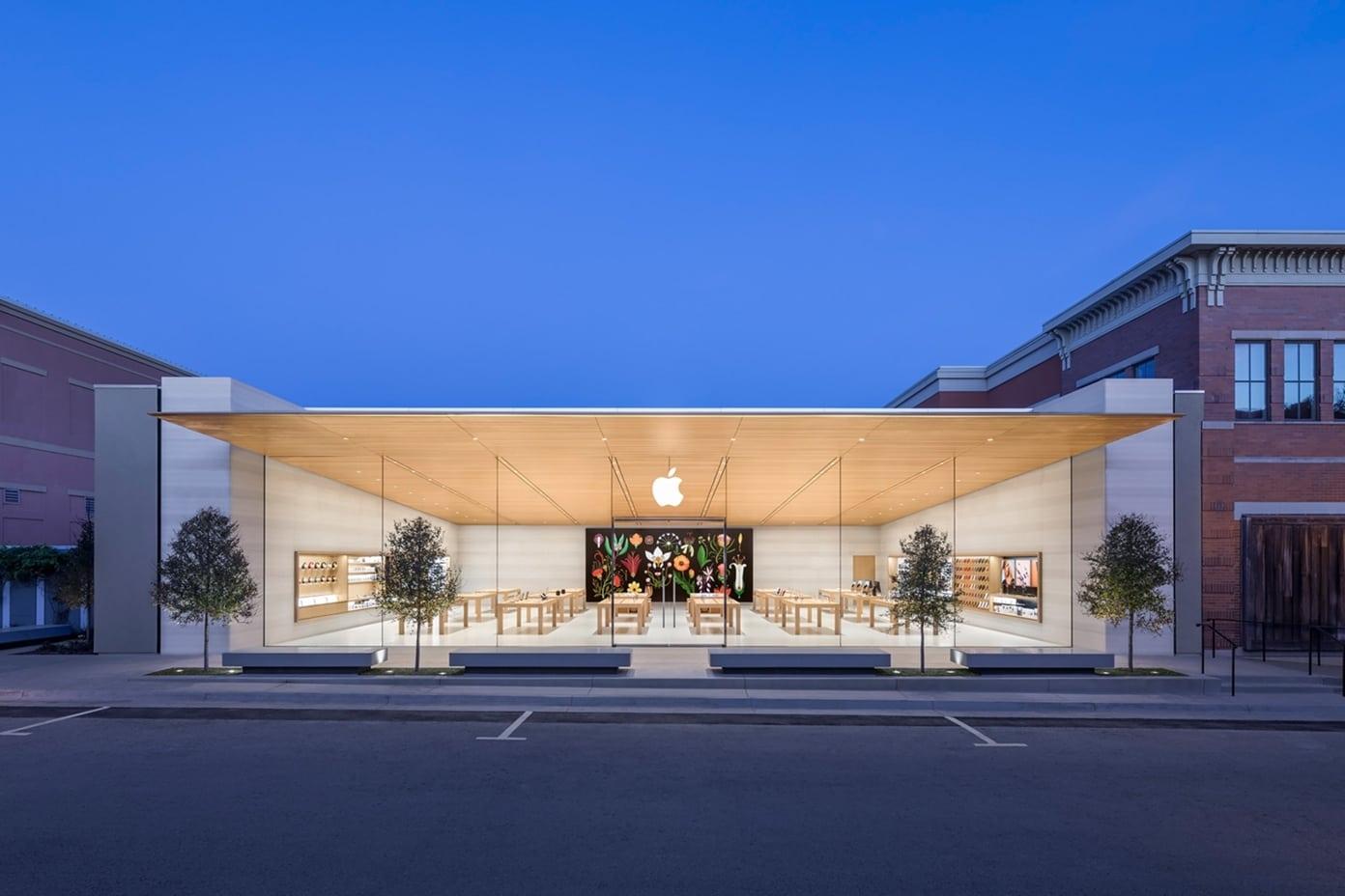 Apple Southlake Town Square