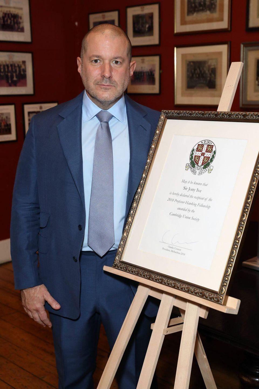 Jony Ive em discurso de agradecimento após prêmio do The Cambridge Union