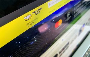 Site do Mercado Livre num MacBook Pro (by MacMagazine)