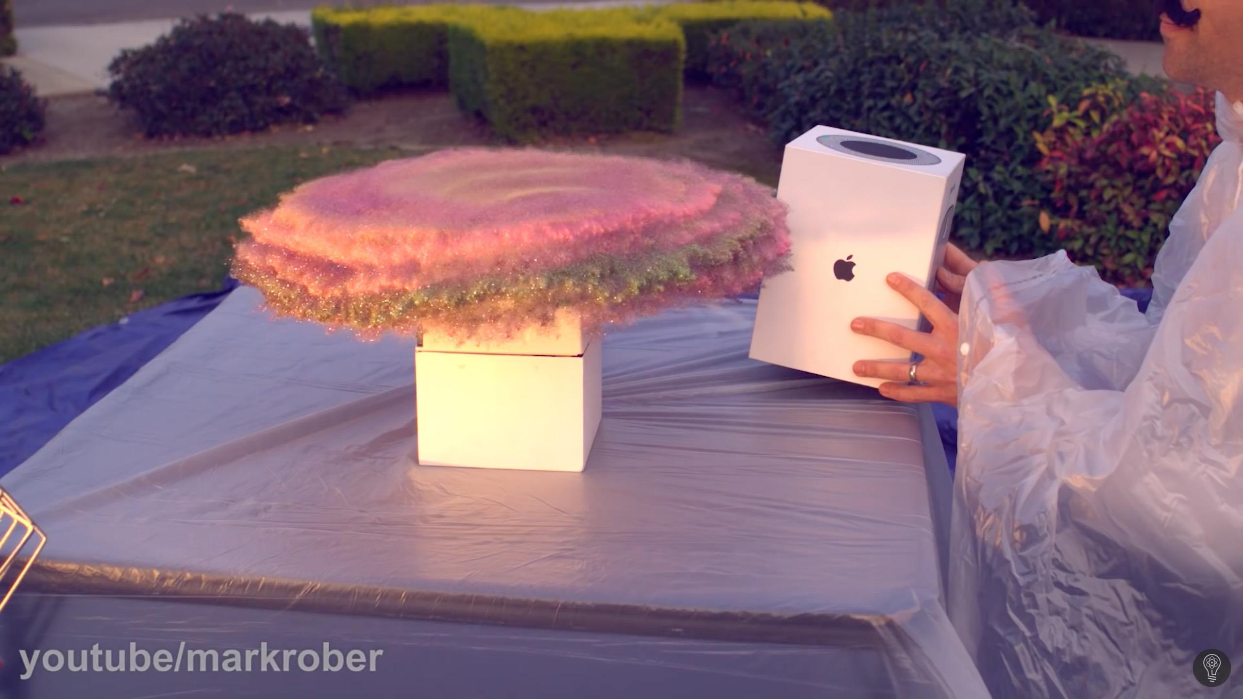 Vídeo de Mark Rober aplicando uma pegadinha em ladrões de HomePod