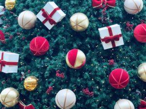 Bolas e enfeites de Natal