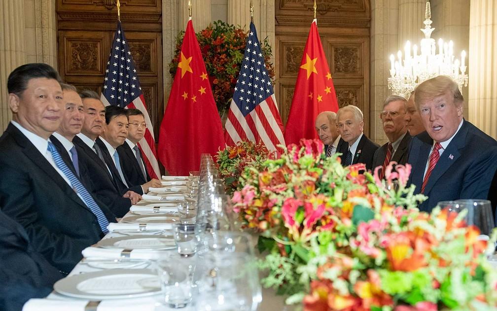 Donald Trump e Xi Jinping em reunião