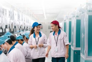 Gerentes da linha de produção do iPhone na China