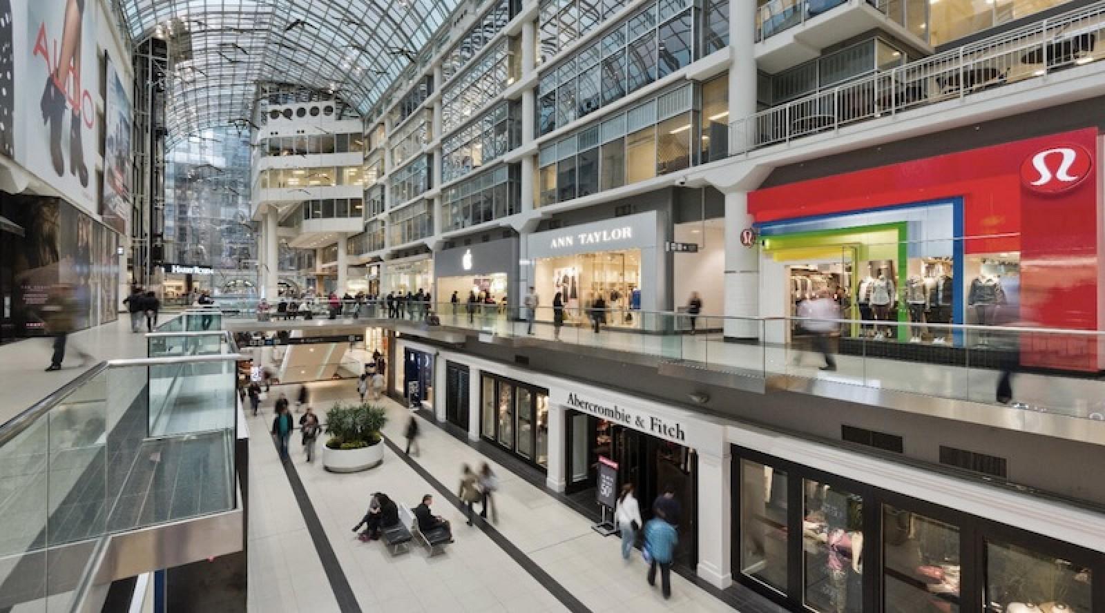 Toronto Eaton Centre com loja atual da Apple e futura localização
