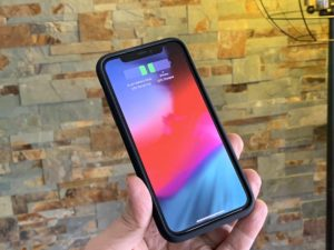 Nova Smart Battery Case no iPhone X