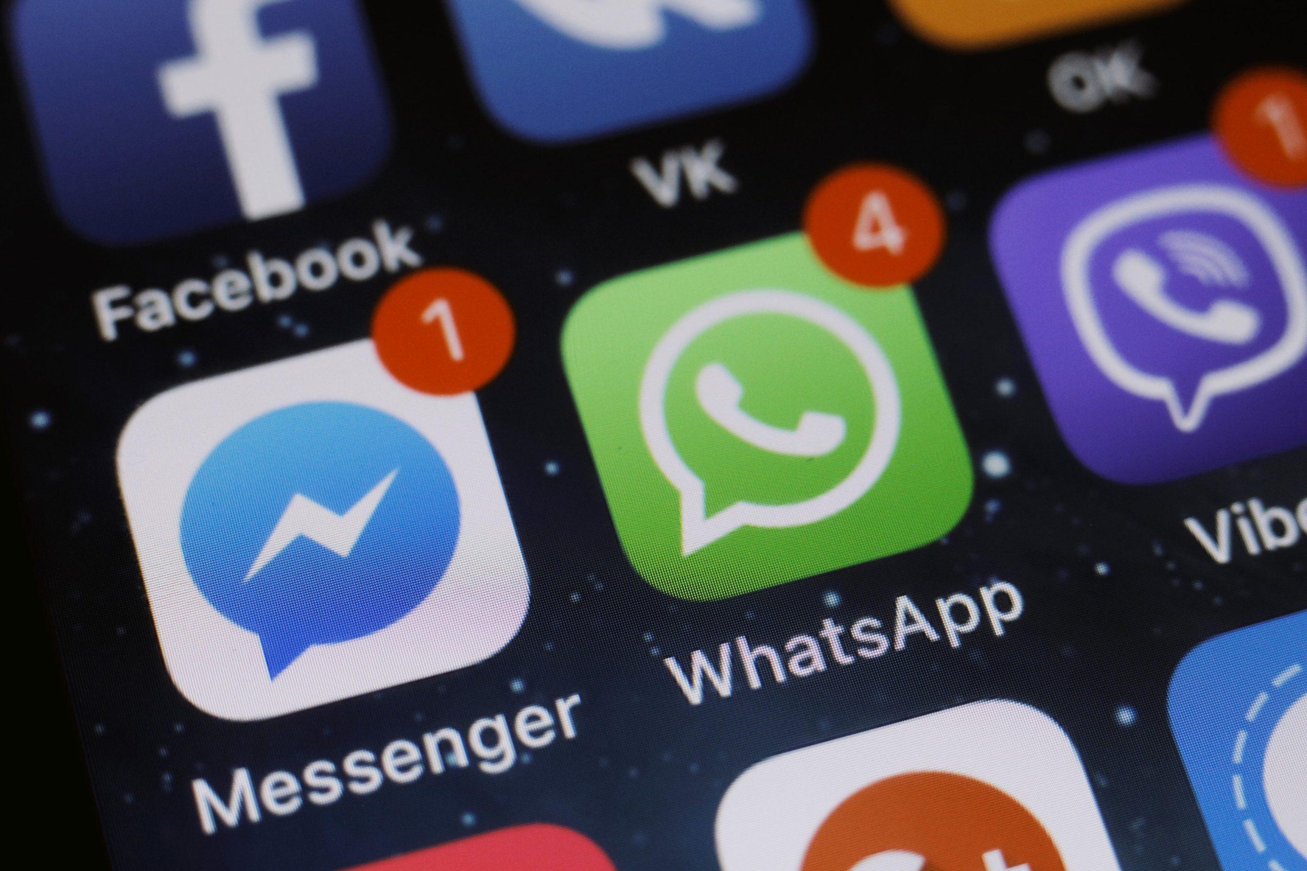 Ícones do Messenger, WhatsApp, Facebook e Viber no iPhone