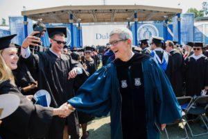 Tim Cook em discurso na Universidade Duke