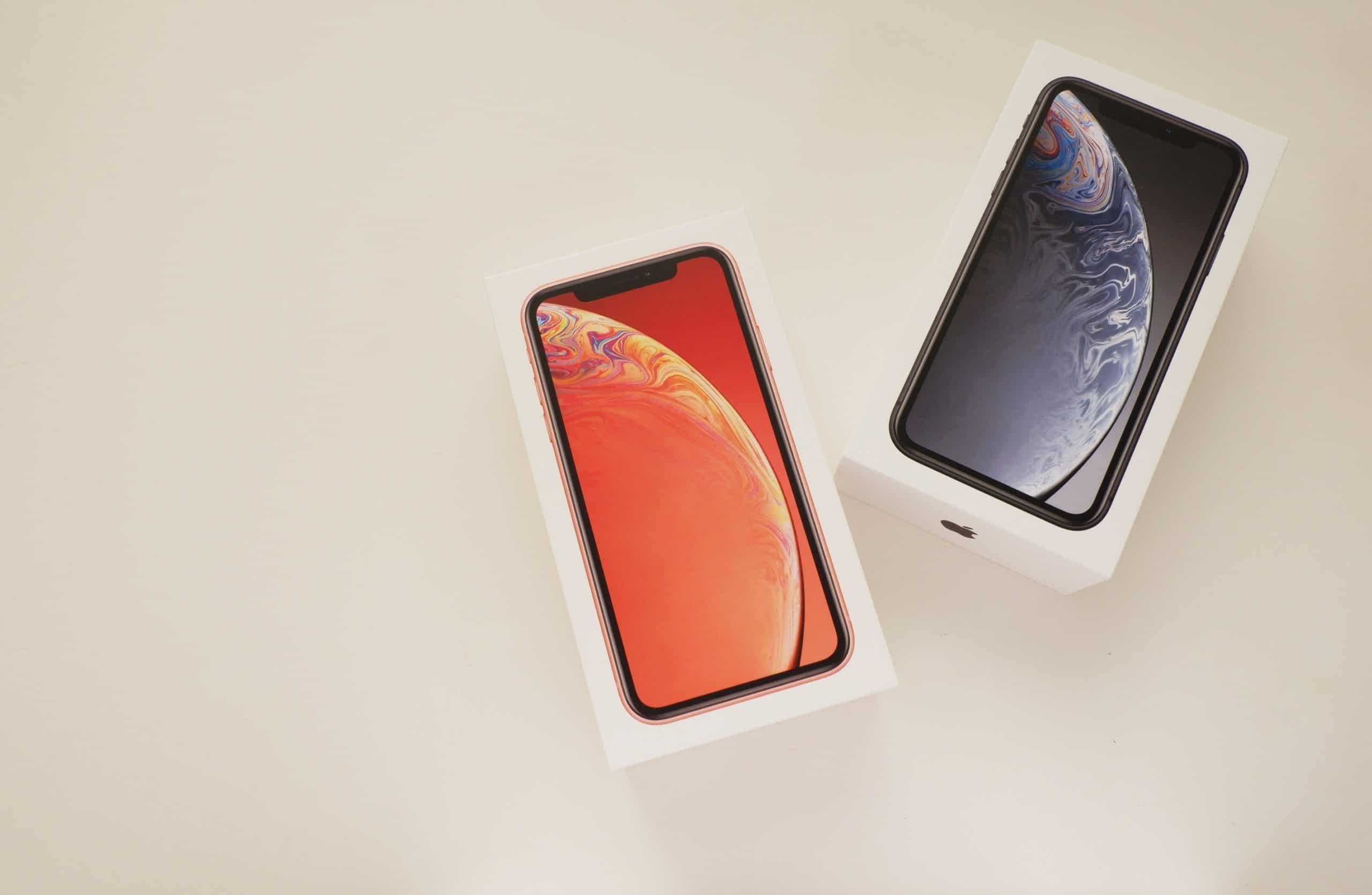 Caixas de iPhones XR