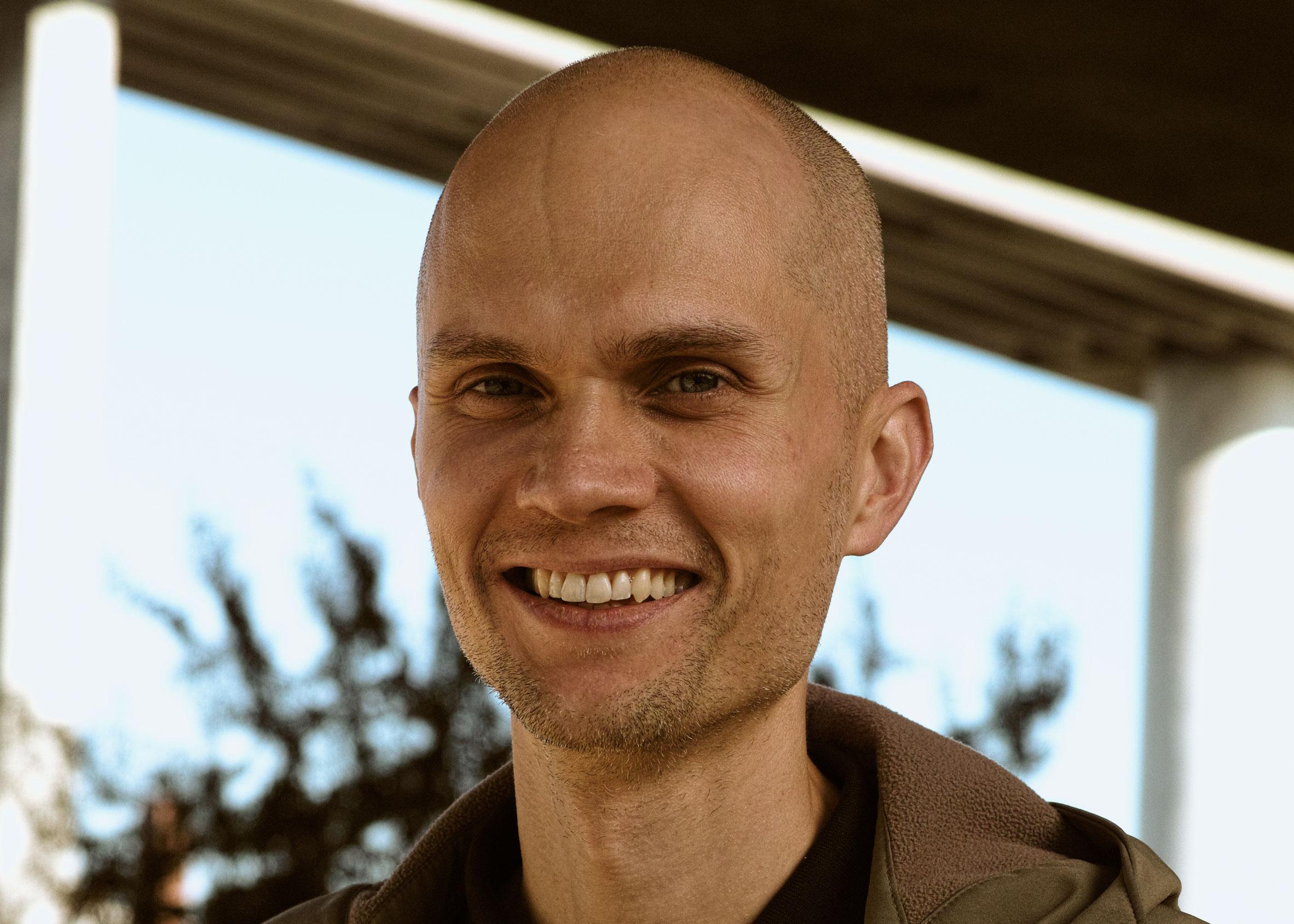 Miklu Silvanto, designer que fazia parte do time de Jony Ive