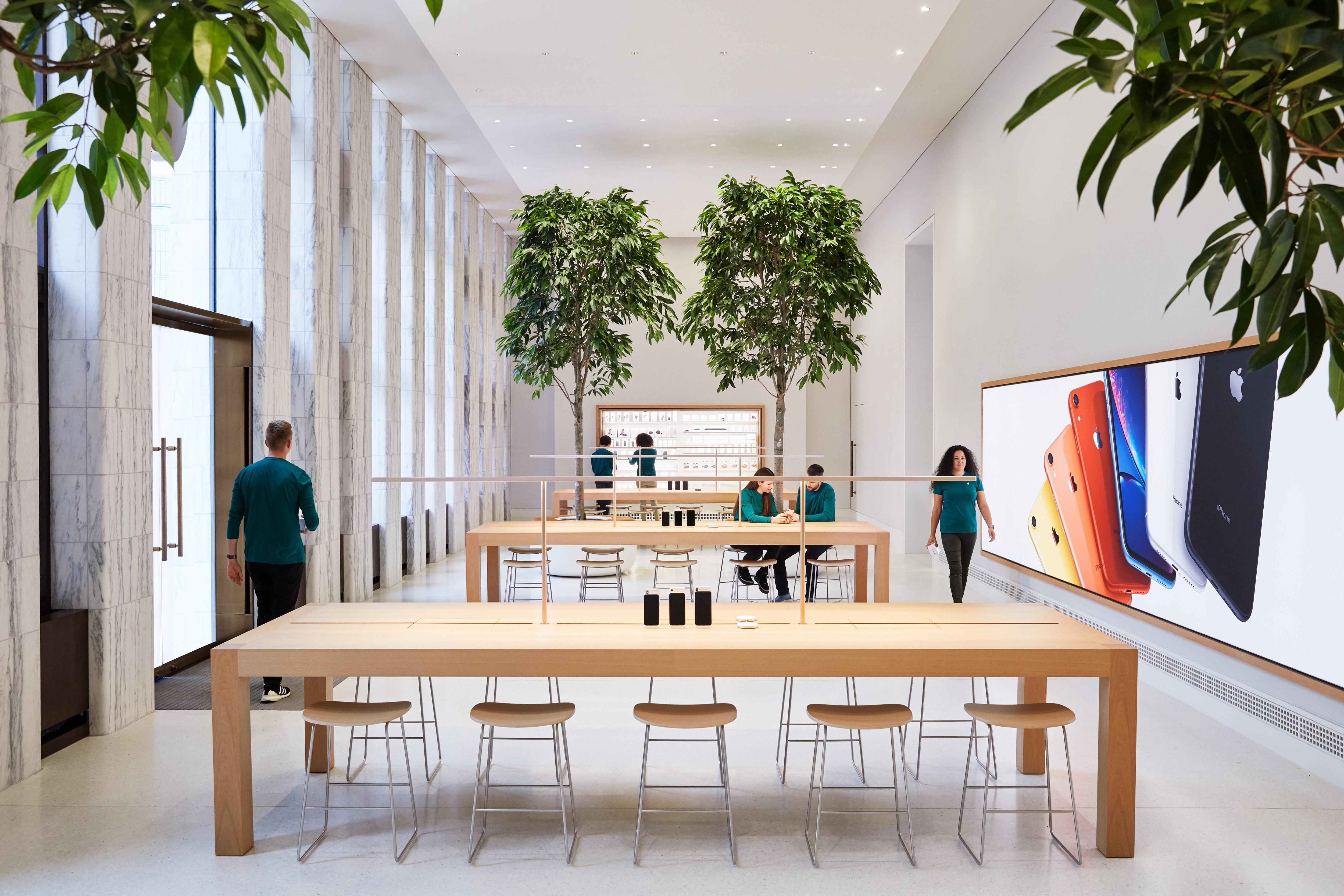 """O """"Genius Grove"""" da Apple Carnegie Library, onde especialistas prestarão suporte técnico para consumidores"""