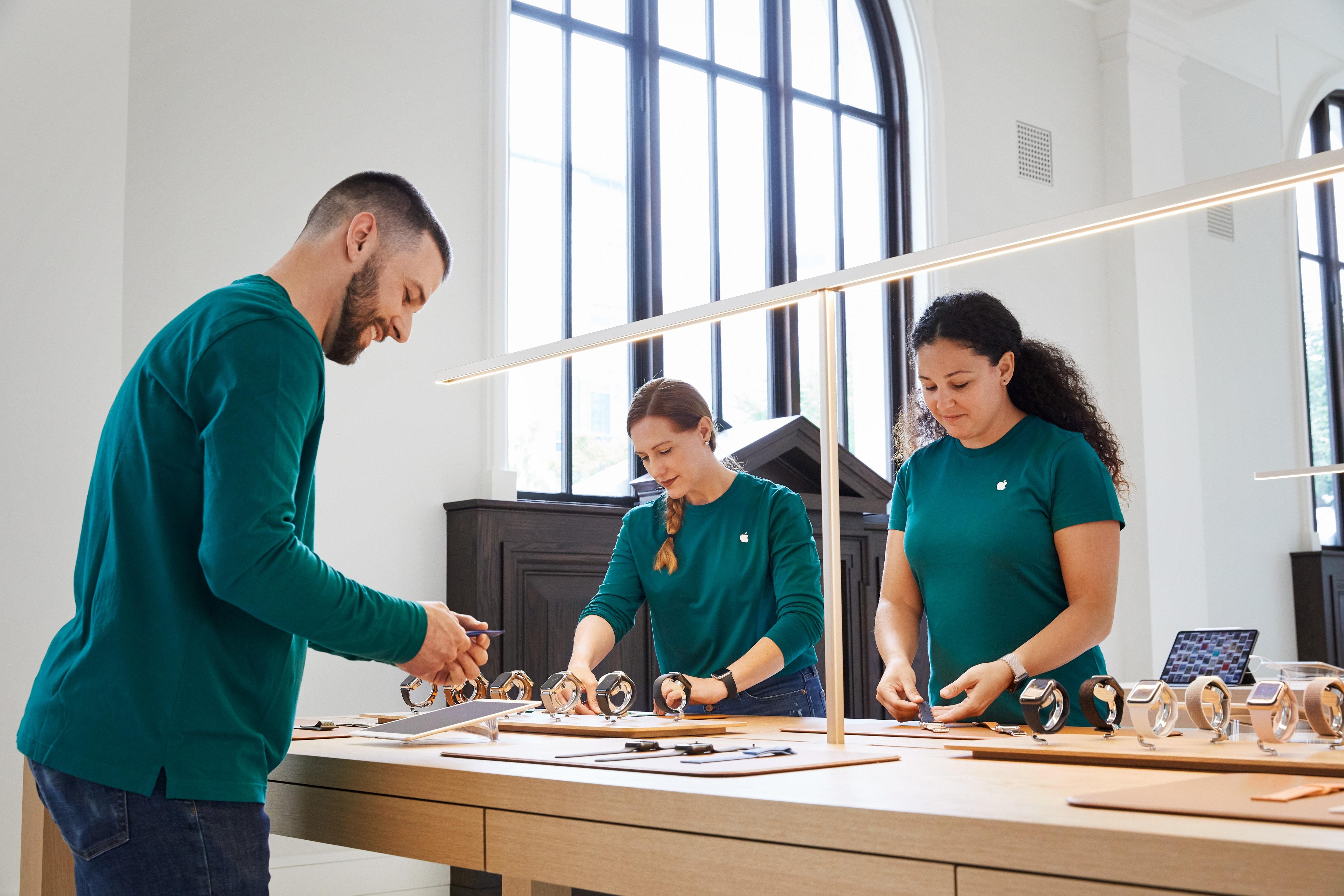 Mais de 20 membros do staff da Apple Carnegie Library são fluentes na língua de sinais americana (ASL)