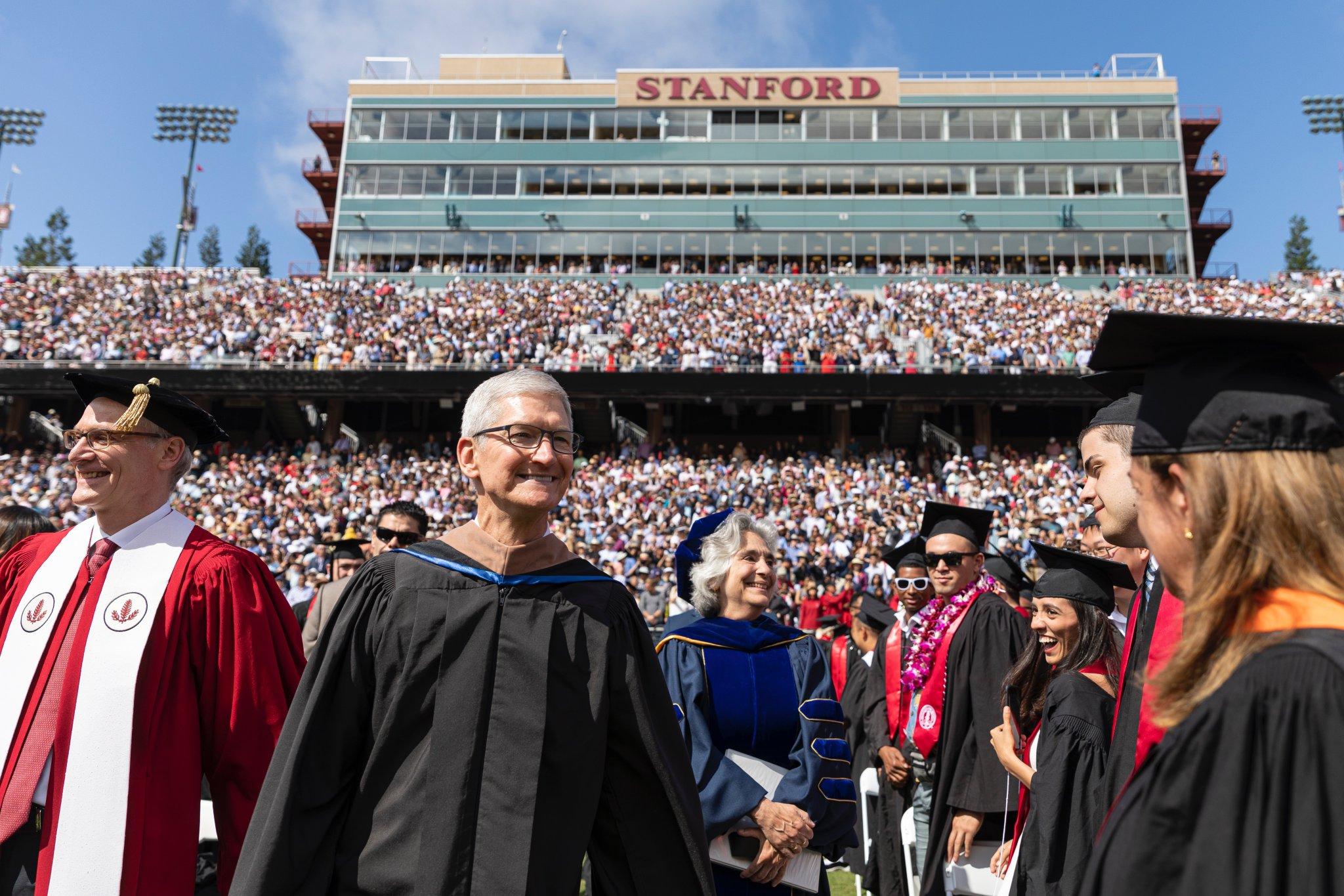 Tim Cook na Universidade Stanford
