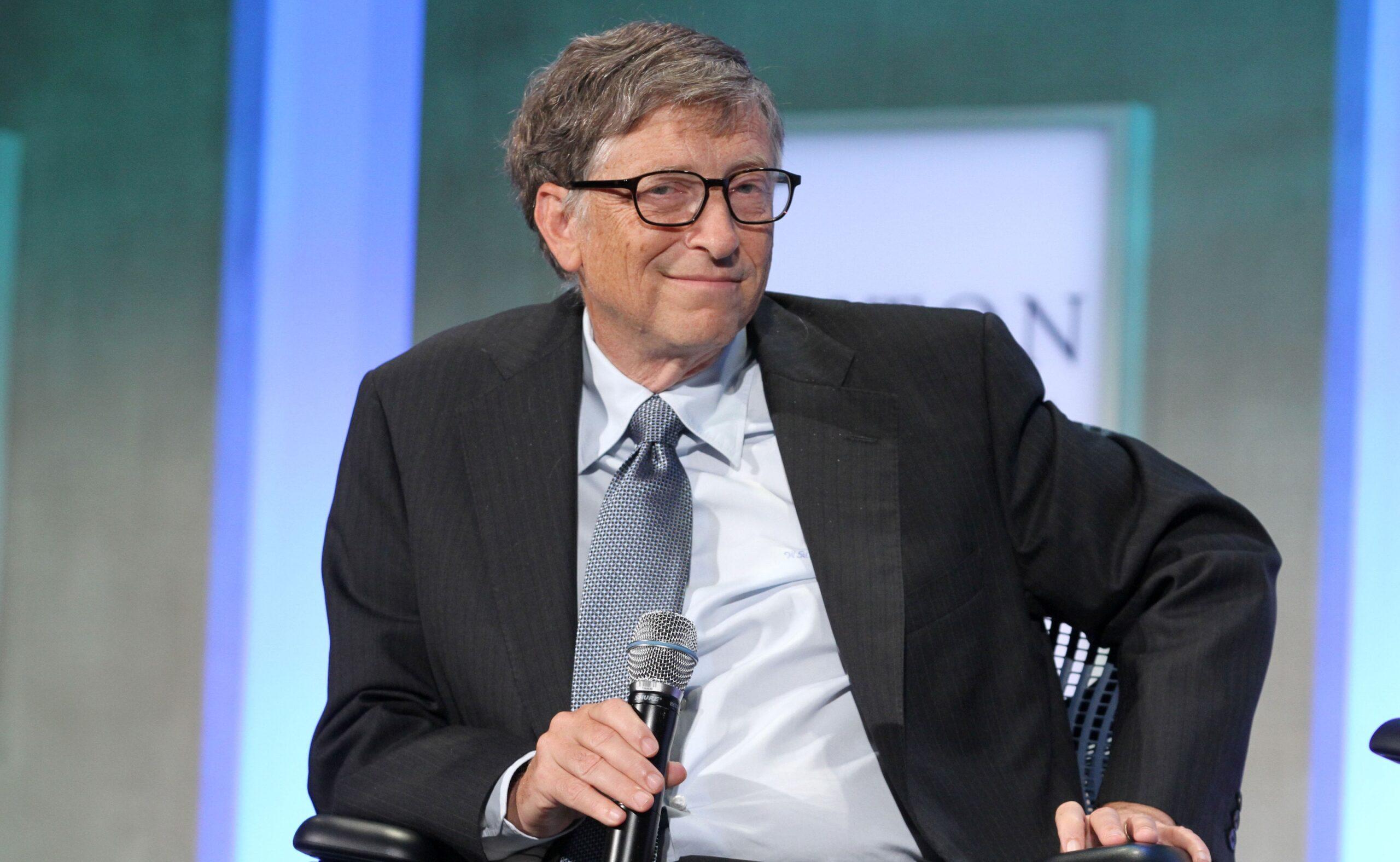 Bill Gates dando entrevista