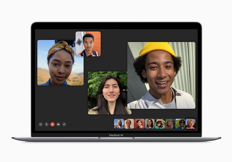 Novo MacBook Air com FaceTime rodando em tela cheia
