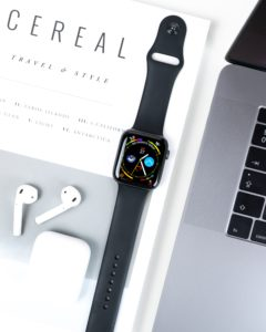 AirPods, Apple Watch e MacBook Pro