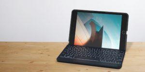 Capa com teclado Zagg Folio para iPad mini 5