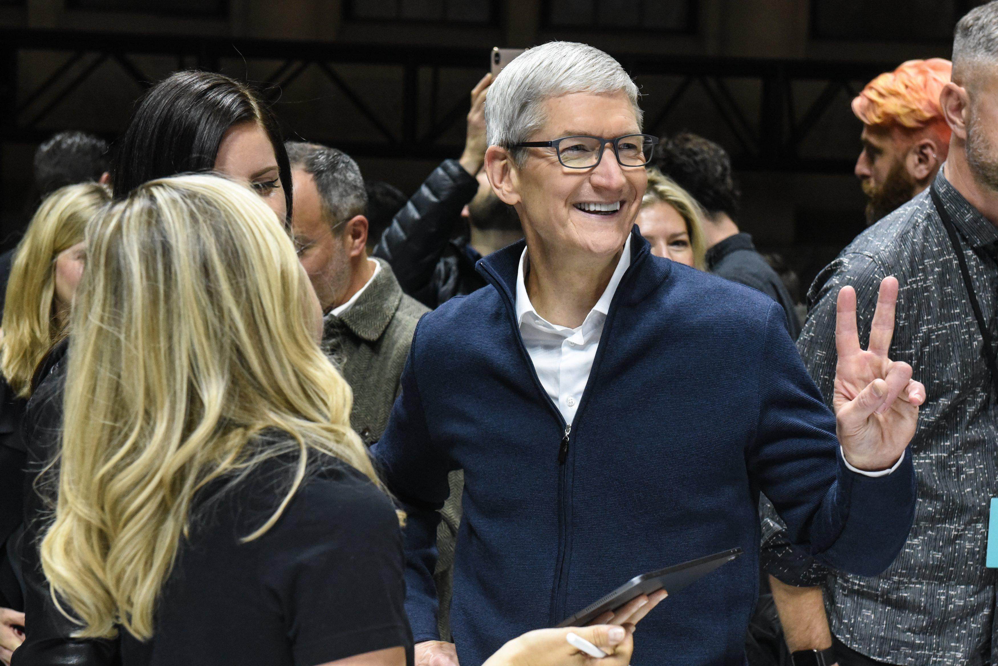 Tim Cook em evento da Apple