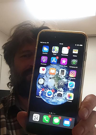 Haukur Snorrason e seu iPhone 6s Plus