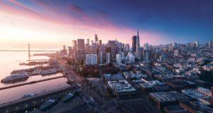 Skyline de San Francisco ao pôr-do-sol
