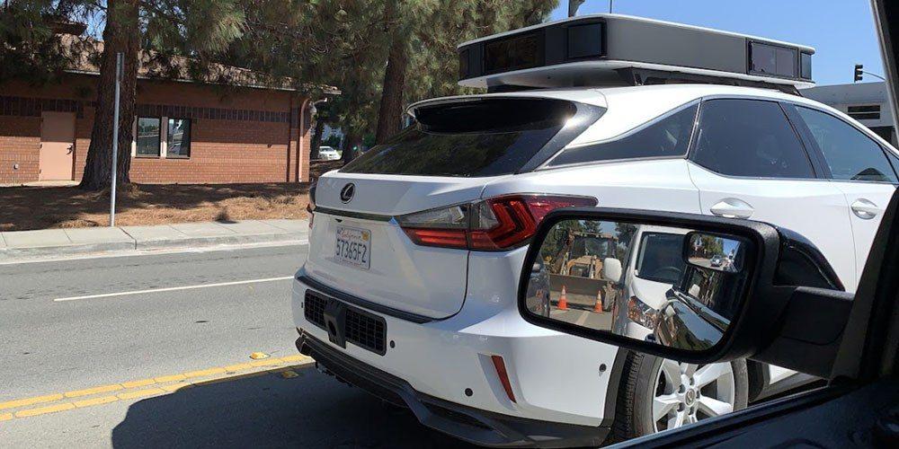 Carro autônomo de testes da Apple com novo módulo de sensores