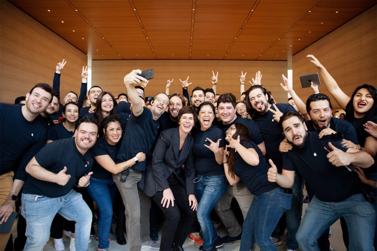 Inauguração da Apple Antara