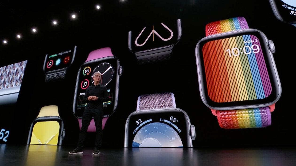 Tim Cook durante apresentação do Apple Watch