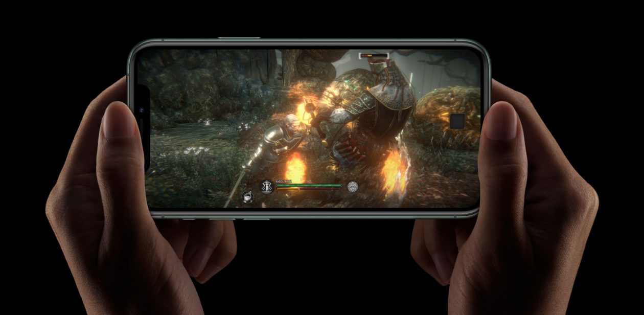 iPhone 11 Pro com jogo