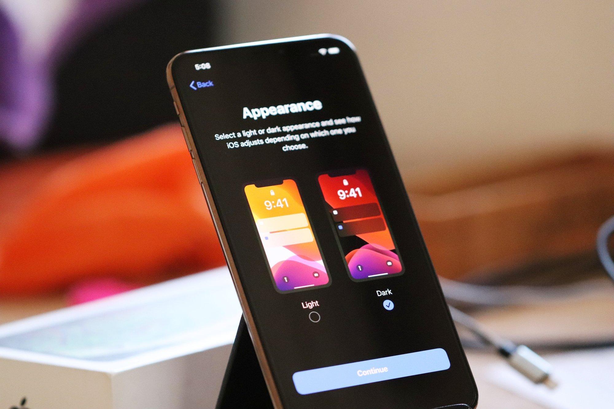 Aparência clara e escura no iPhone