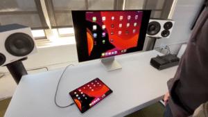 iPad Pro conectado ao Pro Display XDR