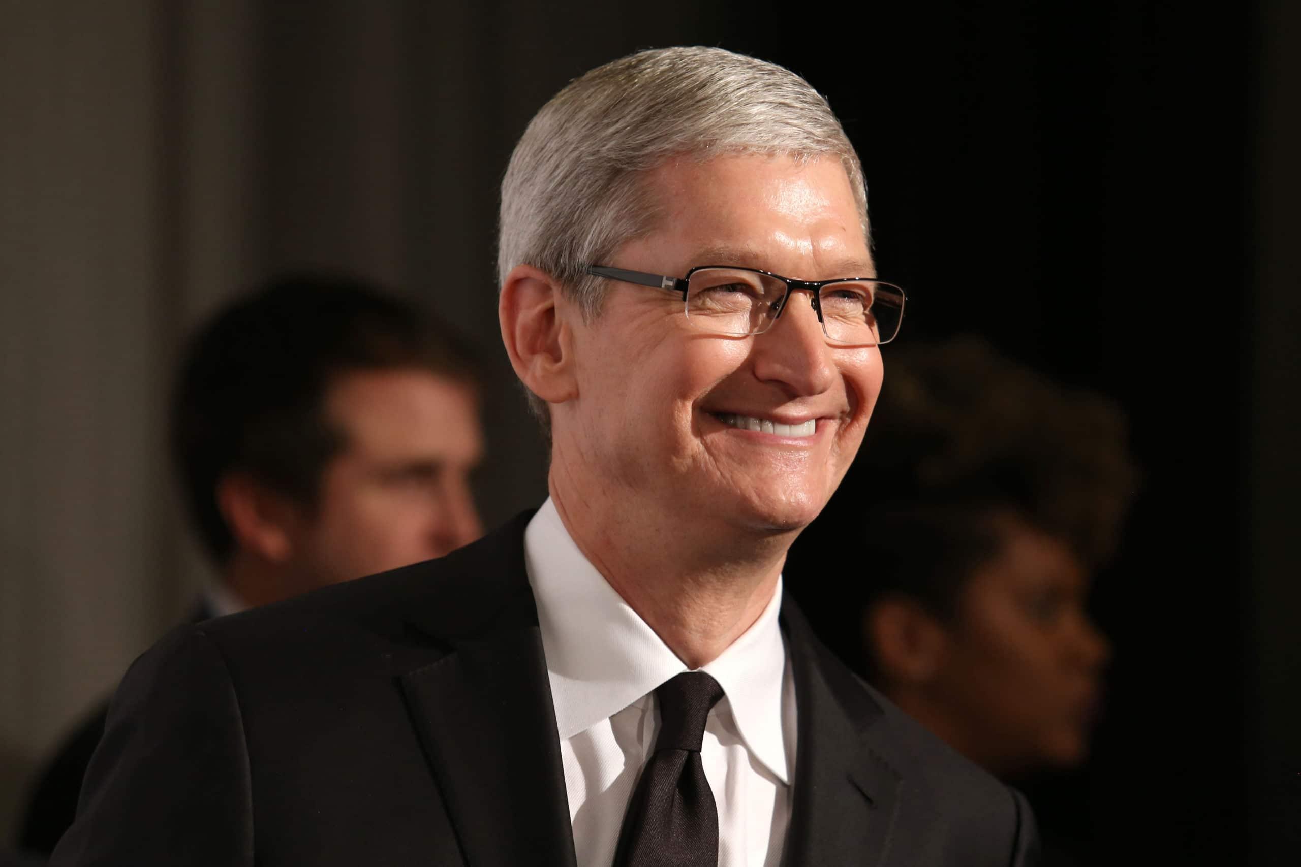 Tim Cook, CEO da Apple, sorrindo