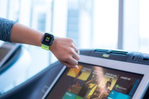 Apple Watch e equipamento de academia