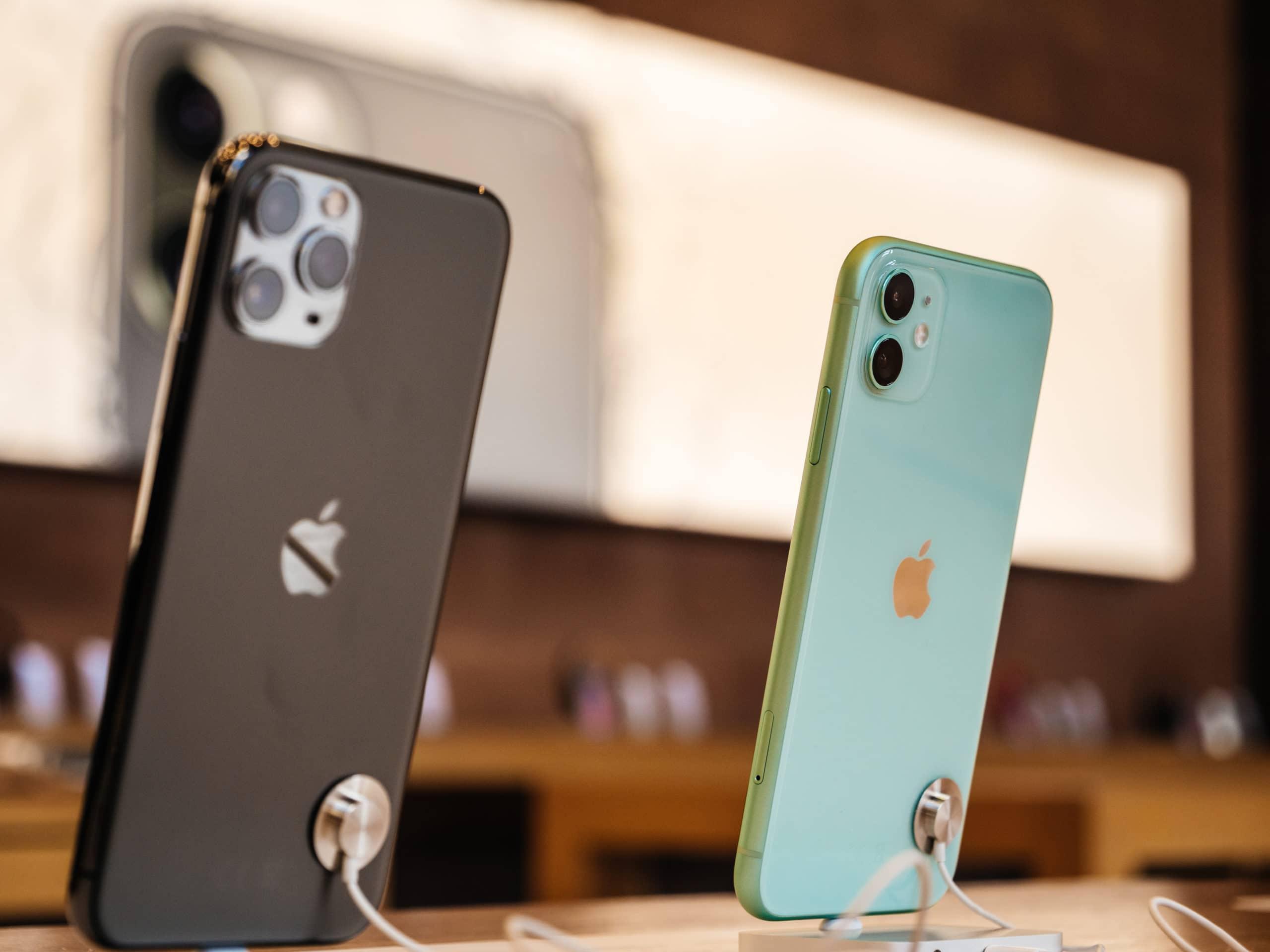 iPhones expostos em loja da Apple