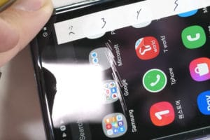 Teste de resistência com a tela do Galaxy Z Flip