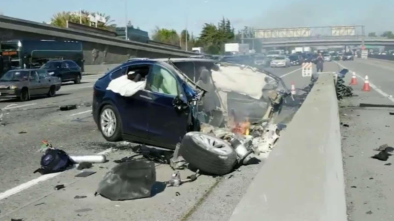 Acidente fatal com carro da Tesla que vitimou engenheiro Walter Huang, da Apple