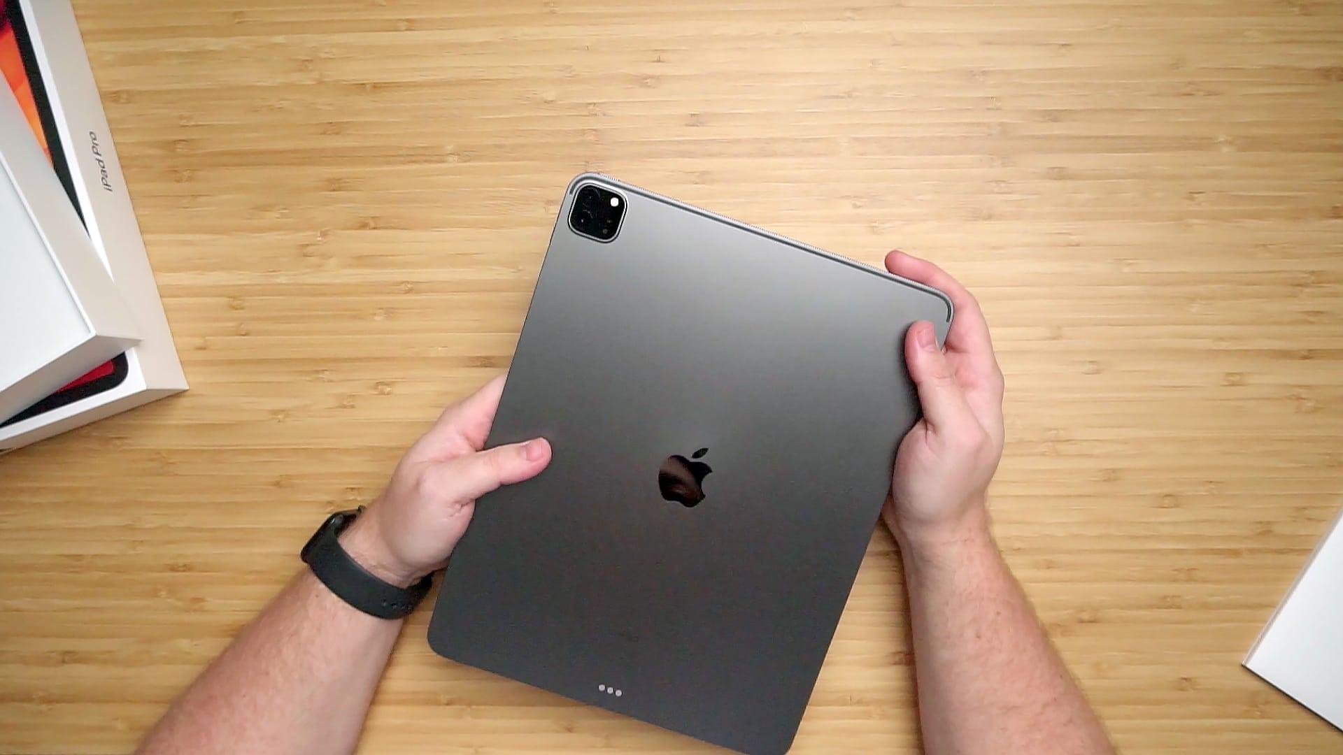 iPad Pro visto de cima (by MacMagazine)