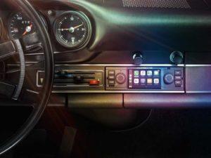 Rádio para modelos clássicos da Porsche com suporte ao CarPlay