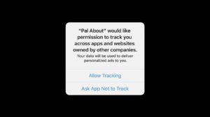 Pop-up do iOS 14 onde o usuário pode conceder ou negar acesso aos trackers em aplicativos