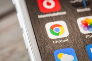 Ícone do Google Chrome num iPhone