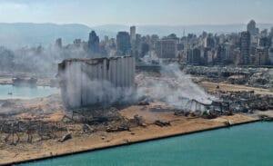 Visão aérea do porto de Beirute (Líbano) após explosão