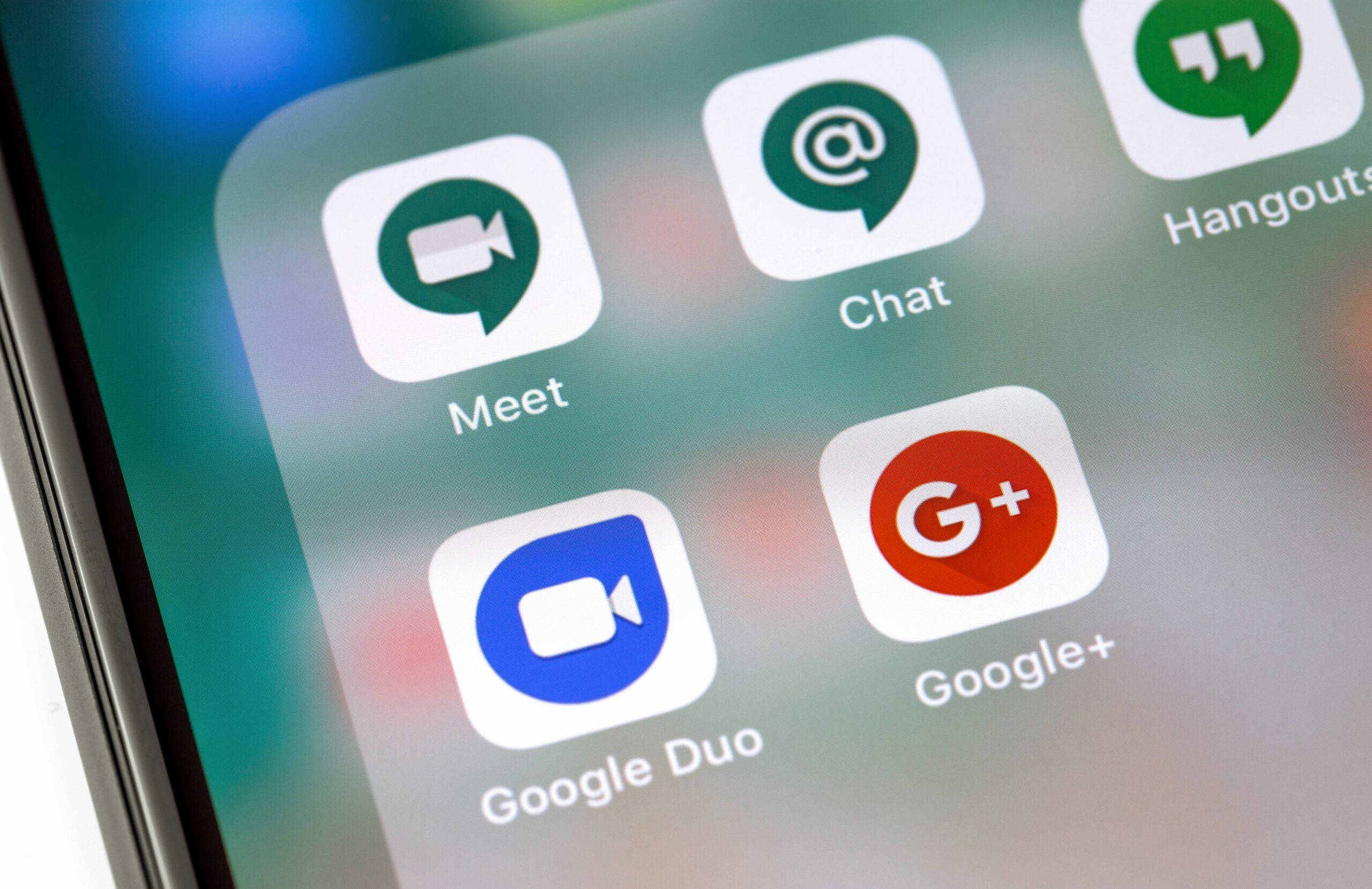 Ícones dos apps de comunicação do Google num iPhone
