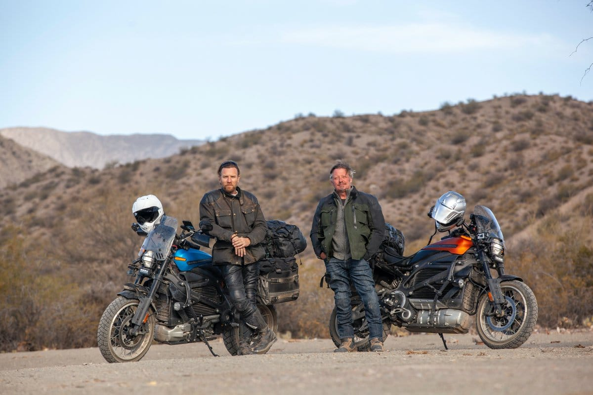 "Ewan McGregor e Charley Boorman em ""Long Way Up"""
